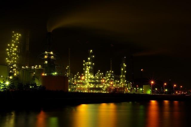 室蘭の工場夜景2012年1月.jpg
